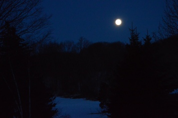 Moonset, Engleville